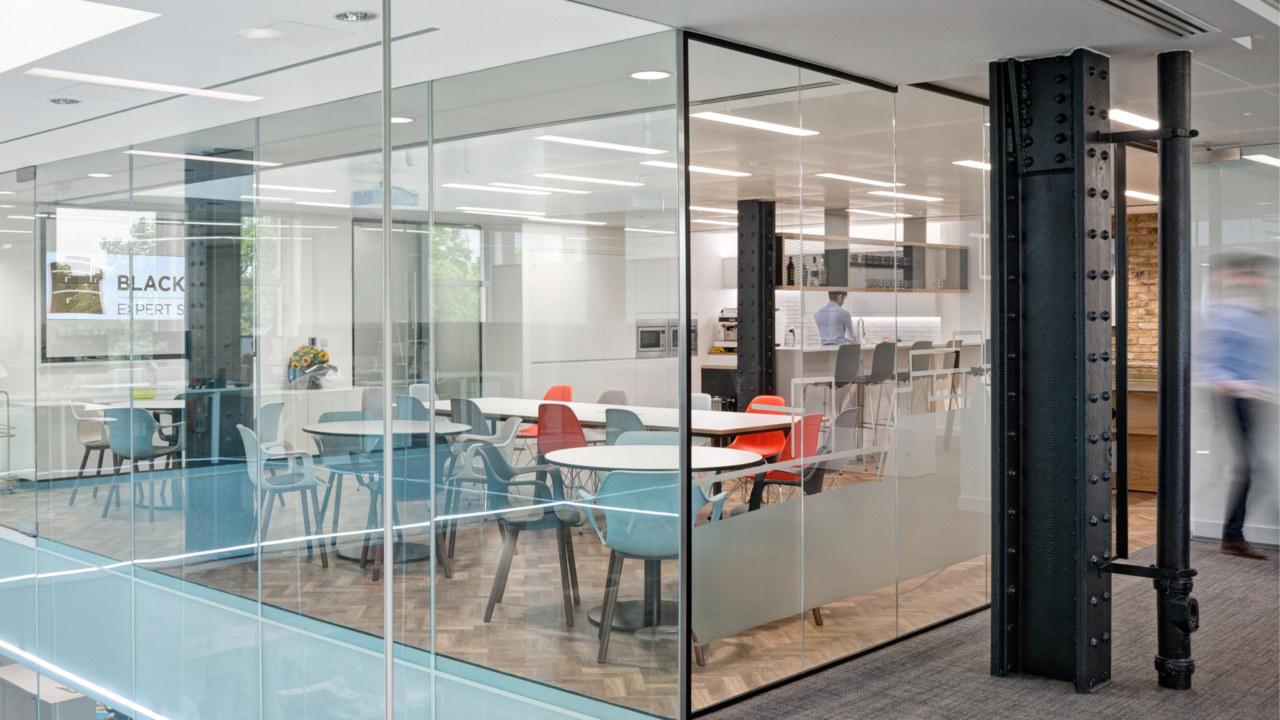 office-design-for-Blackrock08_3840x2160_acf_cropped-1
