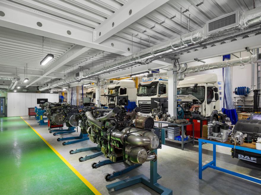 industrial-space-design-for-DAF_Trucks