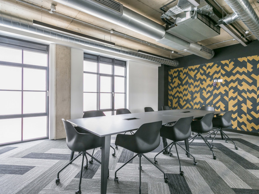 Aitch-Group-boardroom-design-by-oktra_2640x1980_acf_cropped
