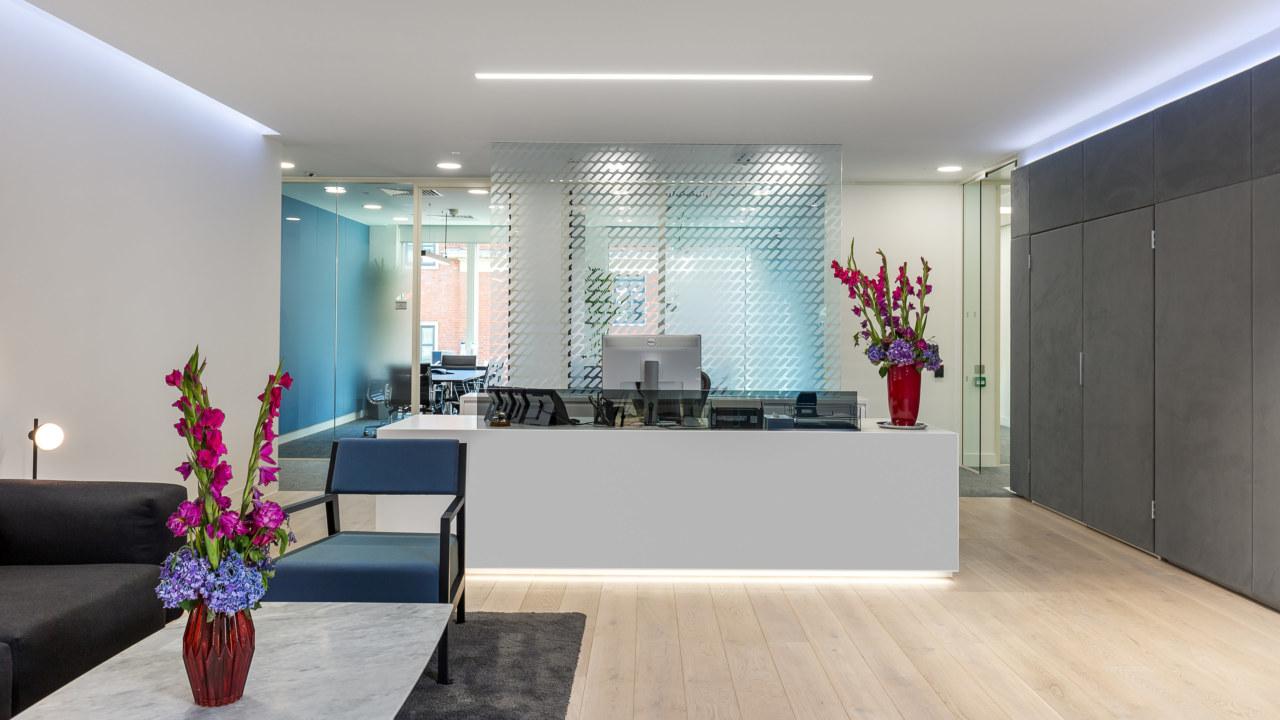 Reception-desk-design_3840x2160_acf_cropped