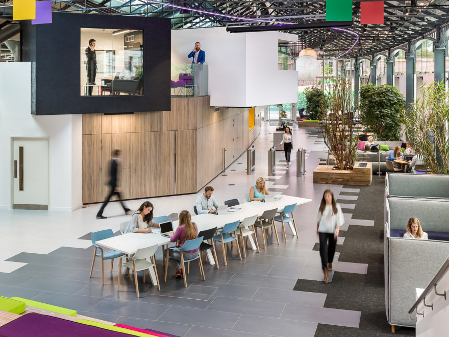 office design that encourages collaboration