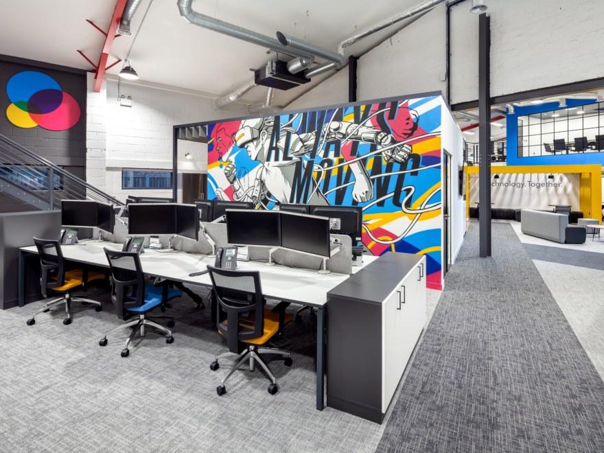 Work desks, office design for Utilize